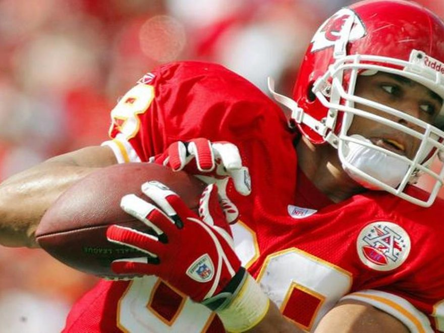 Tony Gonzalez NFL player Kansas City Chiefs